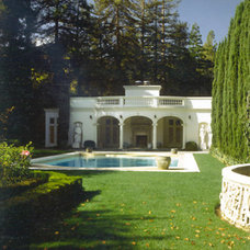 Traditional Pool by RYAN ASSOCIATES GENERAL CONTRACTORS