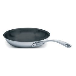 Cuisinox - Elite 9 1/2in. Frypan with Dupont Platinum Non-Stick Coating - This spacious frypan will suite all of your frying needs. Add a glass or stainless steel cover (COVE24 / COVGL24) to retain flavours and heat. The Excalibur non-stick coating allows cooking with little or no fat. This pan is also available with an 18/10 stainless steel interior finish.