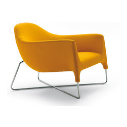 Poliform Bali armchair - An armchair, designed by Carlo Colombo, that offers relax according to the most recent aesthetics. The design couples big dimensions and smooth forms, thanks to the metal structure.
