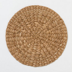 Hand Braided Charger - Wicker chargers are a lovely way to dress up any outdoor place setting. They're so versatile.