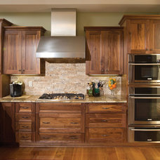 Contemporary Kitchen Cabinetry by Candlelight Cabinetry, Inc