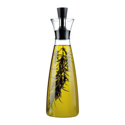 Eva Solo - Eva Solo Oil/Vinegar Carafe - Designed by Tools Design team of Claus Jensen and Henrik Holbaek, simply add herbs and spices to the carafe and create your own exciting varieties of oil and vinegar. This drip-free oil/vinegar carafe holds up to 0.5 liters.