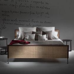 Flexform Beds - Piano bed by Flexform