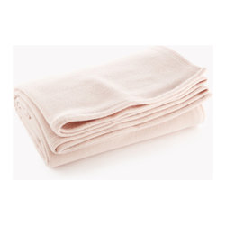 Origin Crafts - Melbourne wool blanket - soft pink - Melbourne Wool Blanket - Soft Pink Merino wool is known for its softness and ability to insulate, making it an easy choice for our winter weight Melbourne blanket. Its plush finish comes from a final step in production which raises the wool from the surface of the blanket. This extra step not only