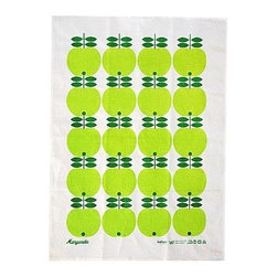 Koloni Stockholm - Lotta Kühlhorn Green Apple Tea Towel - Produced and printed in Sweden, this pretty towel will add that Scandinavian touch to your kitchen or bathroom. Lotta Kühlhorn's mission is to create beautiful things that give your home a warm, slightly nostalgic yet contemporary feel.
