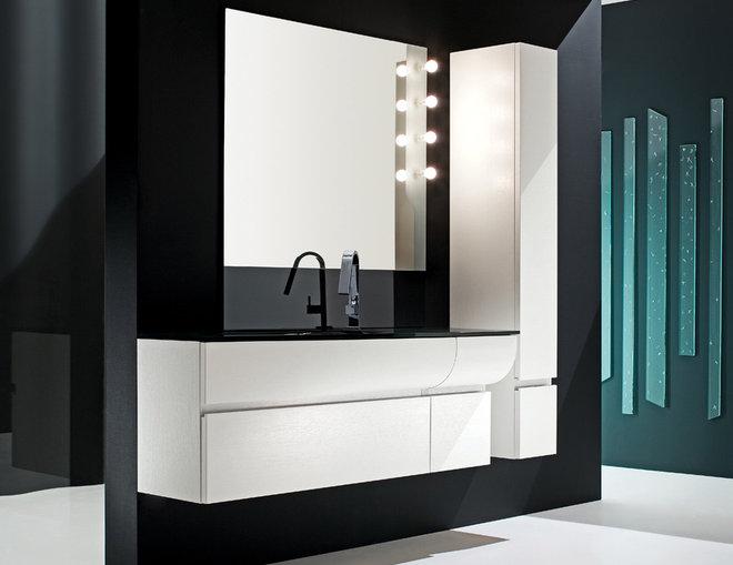 Modern Bathroom by PSCBath