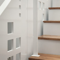 Modern Staircase by Jonathan Cutler, AIA