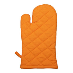 A&D Oven Mit - Sometimes you are already on trend and you don't even know it. Who knew a quilted oven mitt could make you instantly stylish?