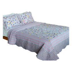 Blancho Bedding - [Kiss The Rain]100% Cotton 3PC Vermicelli-Quilted Patchwork Quilt Set Full/Queen - The [Kiss The Rain] Quilt Set (Full/Queen Size) includes a quilt and two quilted shams. Shell and fill are 100% cotton. For convenience, all bedding components are machine washable on cold in the gentle cycle and can be dried on low heat and will last you years. Intricate vermicelli quilting provides a rich surface texture. This vermicelli-quilted quilt set will refresh your bedroom decor instantly, create a cozy and inviting atmosphere and is sure to transform the look of your bedroom or guest room. Dimensions: Full/Queen quilt: 90 inches x 98 inches; Standard sham: 20 inches x 26 inches.