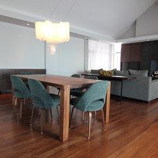 Modern Dining Tables by Handwerk Interiors