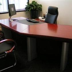 San Francisco SARON Modern Executive Desk -