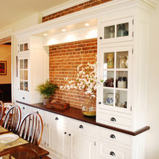 Traditional Kitchen by The Bellepoint Company