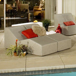Modern Wave outdoor chaise lounge chair - The modern Wave outdoor chaise lounge chair from la-Fete Design.