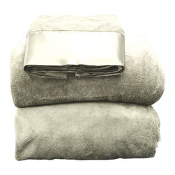 Coral Fleece 3-piece Sheet Set Twin XL Ivory - This fleece set is exceptionally soft, cozy, and fluffy. This set includes a fitted sheet, a flat sheet and a pillowcase.