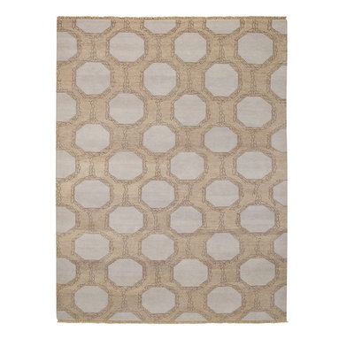 Laurel rug in Wheat - A necklace found in a vintage shop in Atlanta inspired this interlocking pattern. Utilizing a fun combination of organic shapes and geometry, our Laurel Chain rug is neutral enough to complement any décor. Look closely and you'll see the incredible amount of detail that goes into each chain. What can we say? They're absolutely stunning!