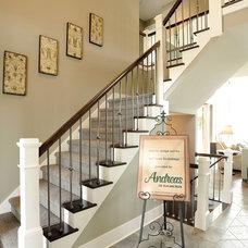 Modern Entry by Weaver Custom Homes