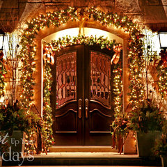 contemporary entry by Light Up Your Holidays