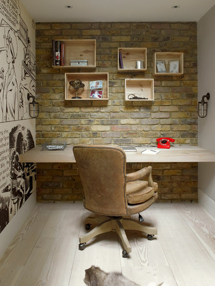 Transitional Home Office by LEIVARS