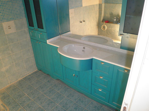 Traditional Bathroom Vanities And Sink Consoles by Youbath.gr