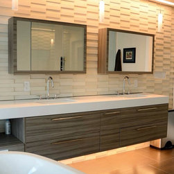 Nuvo by The Furniture Guild - Custom 410 Tempo vanity shown in Palissandro