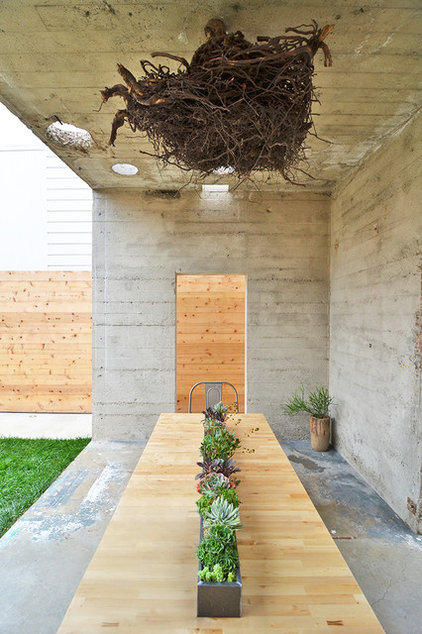 An Outdoor Dining Spot Creates Quiet Time In The Heart Of