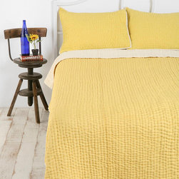 Seed Stitch Quilt - Seriously thinking of buying this yellow quilt. I think it'd make my room a lot brighter and more cheery!