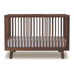 Sparrow Crib - Created for parents who appreciate modern design, the Oeuf Sparrow crib's simple but classic looks are beautiful and versatile. The slim side rails give this crib a light, airy feel.
