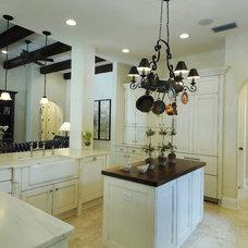 Mediterranean Kitchen by Gritton & Associates Architects