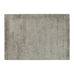 Ligne Pure - Aric Warm Grey Rug - This rug has a very subtle grain to it, providing a slightly textured surface. The sophisticated colors offered complete the overall refined look.