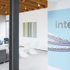 Modern  by Intexure Architects