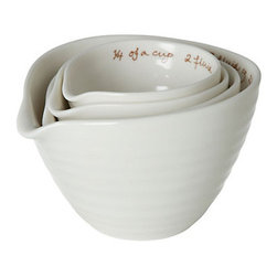 Porcelain Nested Measuring Cups - I love these beautiful and simple measuring cups with the handwritten font.