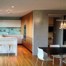Midcentury Kitchen by Lorna Saunders Interiors