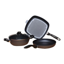 Swiss Diamond - 4 Piece Set: Fry Pan Casserole and Grill Pan - This Swiss Diamond 4-Piece Set provides the home chef with kitchen essentials: 10.25 inch Fry Pan, 9.5 inch Casserole with lid, and 11x11 inch Square Grill Pan. Swiss Diamond's patented nonstick coating is reinforced with real diamonds for excellent durability and resilience. Why diamonds? Three reasons: they are durable, they are naturally nonstick, and they conduct heat better than any metal. A perfect combination for a lifetime of cooking excellence. With this Swiss Diamond skillet, casserole and grill pan, you can cook almost any dish! Experience a truly non-stick coating  guaranteed to wash clean with just soapy warm water.