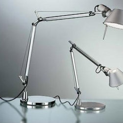Artemide - ARTEMIDE TOLOMEO MINI TABLE LAMP - The Tolomeo table lamp by Artemide offers direct lighting with a fully adjustable, articulated arm structure in extruded aluminum with joints and tension control knobs in polished die-cast aluminum and tension cables in stainless steel.