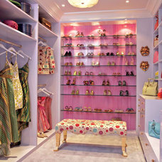 Traditional  Closet/ Storage