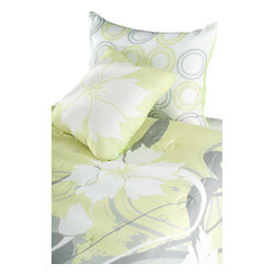 Rizzy Home - Flowers Yellow Twin Size Kids Comforter Bed Set - A sophisticated color and pattern of yellow and gray combine to create a bright and inviting look for your child's room. On trend with the latest in fashion colors this bedding set is sure to be the focal point of the room's design.