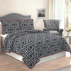 None - Ogee Floral Cotton 3-piece Quilt - Add a pop of style to your bedroom with this trendy quilt,filled with comfortable cotton and featuring soft microfiber backing. This versatile bedspread is perfect for any decor theme and is conveniently machine washable.
