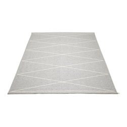 Pappelina - Max Light Grey & Vanilla Rug - This outdoor rug from Pappelina contains a basic geographic pattern. It uses PVC-plastic and polyester-warp to give it ultimate durability and clean-ability. Great for decks, bathrooms, kitchens and kid's rooms.