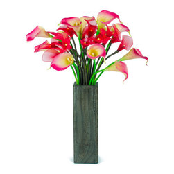 The Firefly Garden - Cupid's Calla - Illuminated Floral Design - Cupid's Calla blends the rich combination of both illuminated and real touch Calla Lillies.  Featured in a sleek grey wood vase, this is a perfect centerpiece for a small side table in a living room or den. Share your love on Valentine's Day, Mother's Day, or on an anniversary with this stunning illuminated gift full of Calla Lilies.
