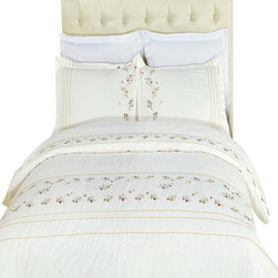 Bed Linens - Tasneen Egyptian cotton Embroidered Duvet Cover Set King-California King - You are invited to experience the comfort, luxury and softness of our luxurious Embroidered duvet covers. Silky Soft made from 100% Egyptian cotton with 300 Thread count woven with superior single ply yarn. Quality linens like this one are available only at selected Five Stars Hotels.