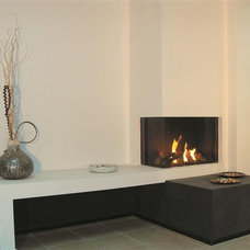 Modern Living Room by Home and Hearth Outfitters