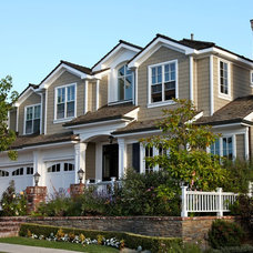 Traditional Exterior by Hilton-Jones Builders Inc.