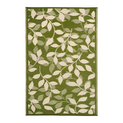 Fab Habitat - Indoor/Outdoor Bali Rug, Forest Green & Cream, 4x6 - This pretty all-weather rug is woven from straws made of recycled plastic. Washable and mildew resistant, it's ideal for the deck, the playroom, the beach — anywhere you want good looks and easy care. For a dramatic change, flip it over and see the pattern in reverse. Comes with its own tote bag, for convenient transport or storage.