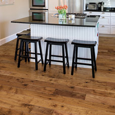 Modern Kitchen by Hallmark Floors Inc.