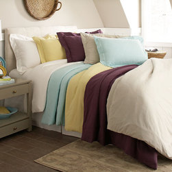 Pointehaven - 200 GSM Superior Flannel Solid Color Duvet Cover Set - This extremely soft duvet cover set includes at least one sham in a matching solid color. The comfortable,machine washable set is available in several sizes and five vibrant colors.