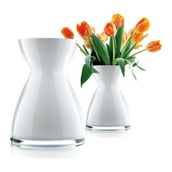 Eva Solo - Eva Solo Florentine Vase, Small - Elegant mouth-blown glass with a slim neck that hugs the bouquet and keeps it standing beautifully.