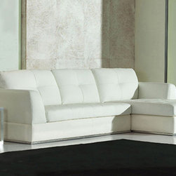 Zuri Furniture - White Leather Kiley Sectional Sofa, Right Chaise - Kiley modern sectional is where you want to relax. This ultra plush piece is finished in sumptuous white tufted aniline top grade leather on the seat and arms. The chrome accent provides contrast and an instant contemporary twist.