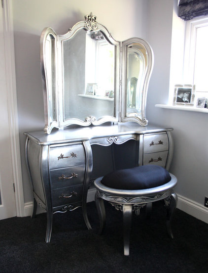 Contemporary Makeup Mirrors by Chichi Furniture