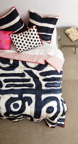 Posto Bello Quilt - I love to mix and match prints and patterns in my sheet sets. These are especially fun with the mix of scale and graphic patterns. The repetition of color keeps the set cohesive.