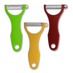 Swissmar - Swissmar 3 PC Peeler Set - Swissmar 3 PC Peeler Set - 00440    New proprietary technology from Switzerland has given our Swiss Classic peelers a few new edges. These blades are scalpel sharp - this means less effort to peel and a thinner peel with every stroke.